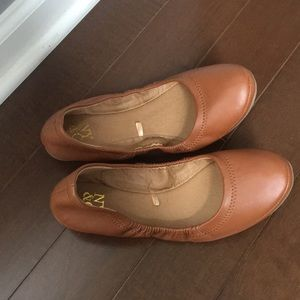 New York and Co. cognac flats